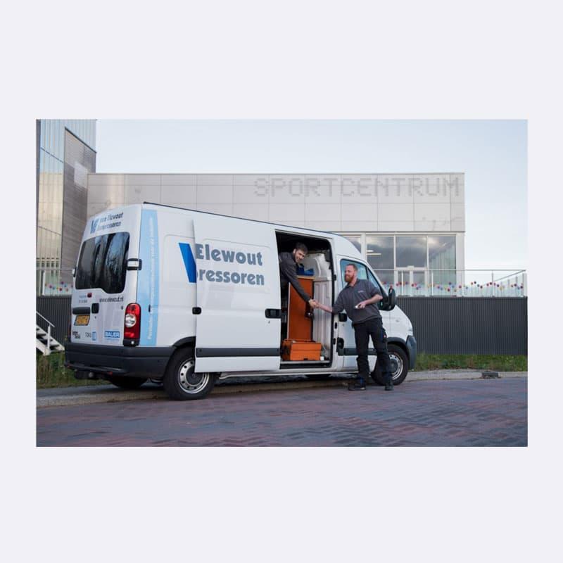 Onderhoud Service Contract Bus aan het werk Van Elewout Kompressoren