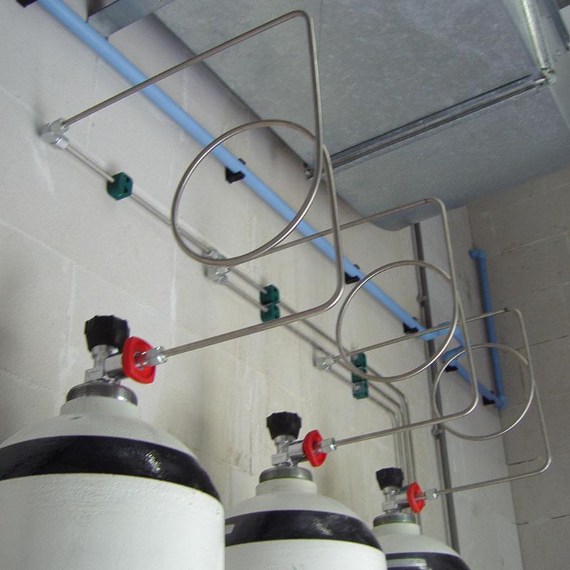 Stikstof cilinder leidingwerk en opstelling Van Elewout Kompressoren